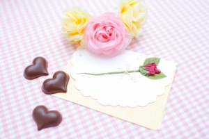薔薇の造花と手紙